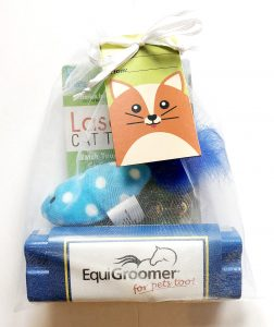 Cat Giftbag with Grooming Tools and Toys